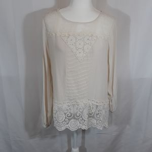 Taylor & Sage blouse with lace